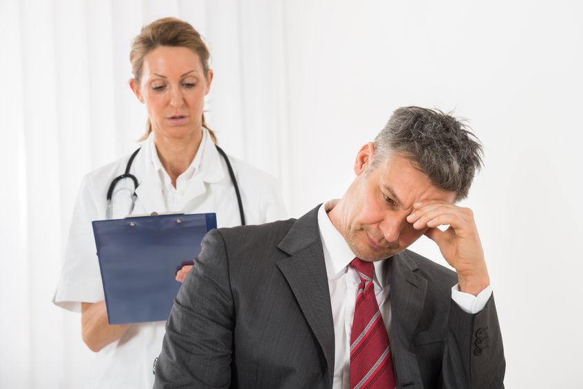 Wat u absoluut niet met uw zieke werknemer mag bespreken